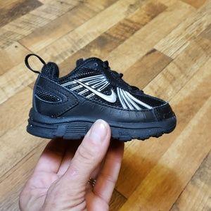 Nike run 4 size 3c